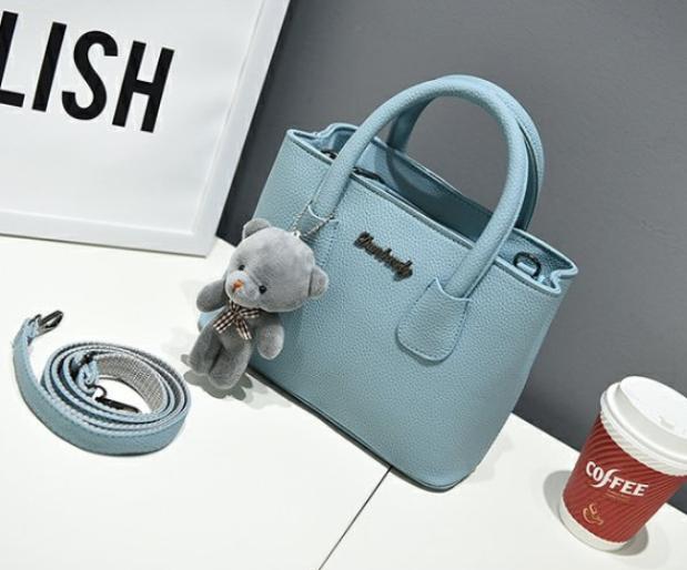 กระเป๋าสะพายข้างผู้หญิง Girl Tools Blue sky แถมหมี