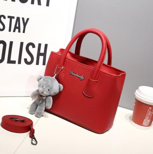 กระเป๋าสะพายข้างผู้หญิง Girl Tool Red แถมหมี