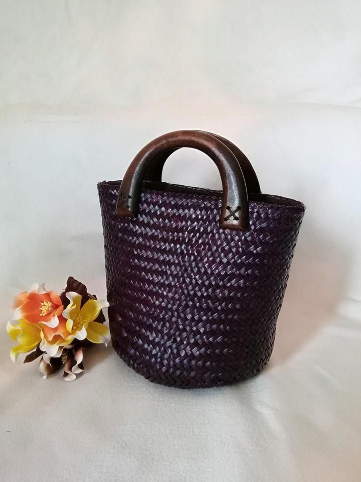 กระเป๋าถือ ทรงแตงโม สีม่วง