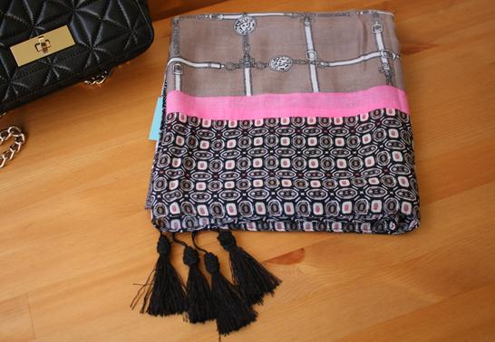 พร้อมส่งค่ะ Super fine Authentic ANNE KLEIN scarf new with original tag