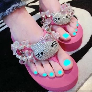 [Preorder] รองเท้าแตะแมวเหมียวคิตตี้ สีชมพู Exclusive new full diamond bling Ms. KITTY sewn pearls and precious stones flops beach sea slope heel