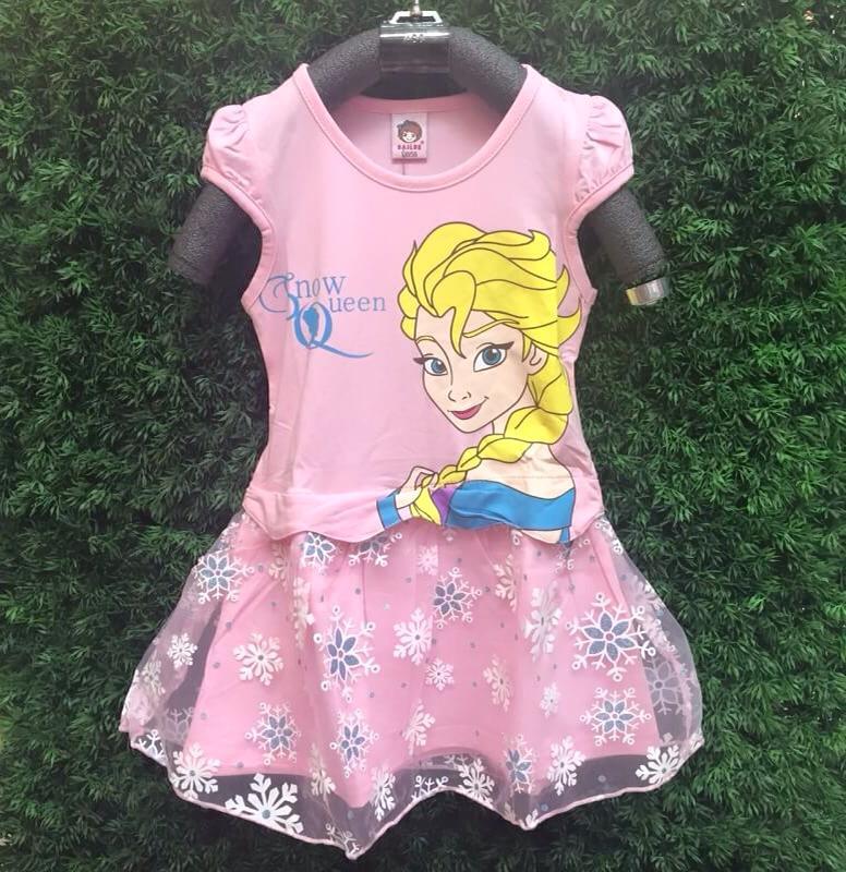 ชุดกระโปรงเอลซ่า Elsa สีชมพู หวานมั่กๆ ผ้ายืดเนื้อนิ่ม ผ้าเด้ง ช่วงล่างต่อผ้าฟุ้งฟิ้งๆ ใส่สบายค่ะ size 100-140