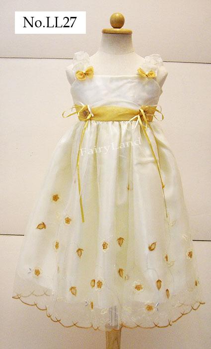 เสื้อผ้าเด็กหญิงสีครีมปักลายทอง สำหรับเด็ก6-7ปี