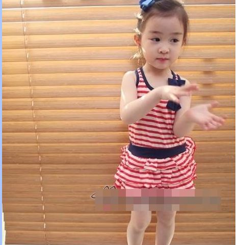 Huanzhu kids ชุดเดรสเด็กหญิง ลายริ้ว สีแดง-ขาว น่ารัก สไตล์เกาหลี ขนาด 130,140