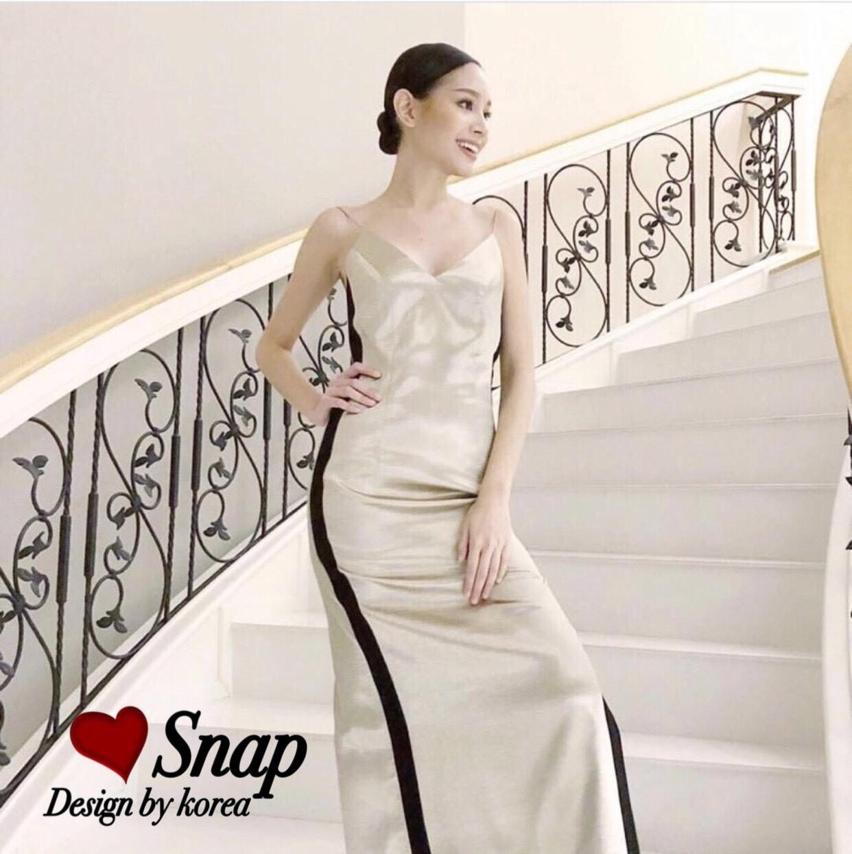 ชุดเดรสเกาหลี พร้อมส่ง Maxi Dress สายเดียว ผ้าสีพื้นมันเงา