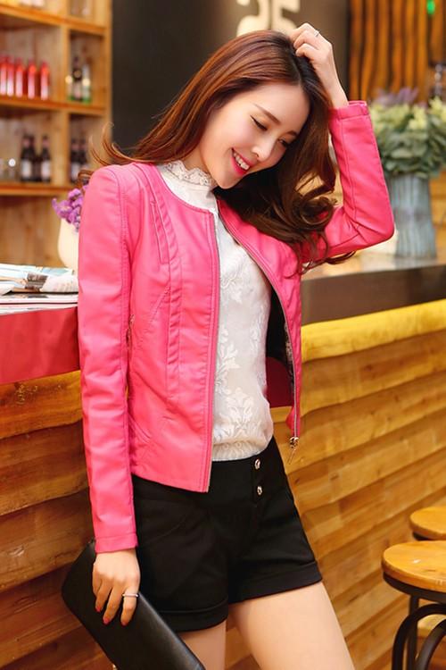 Pre-Order เสื้อแจ็คเก็ตหนังผู้หญิง สีชมพูเข้ม แต่งซิปหน้าและกระเป๋า คอกลม แขนยาว แฟชั่นเสื้อกันหนาวสไตล์เกาหลี