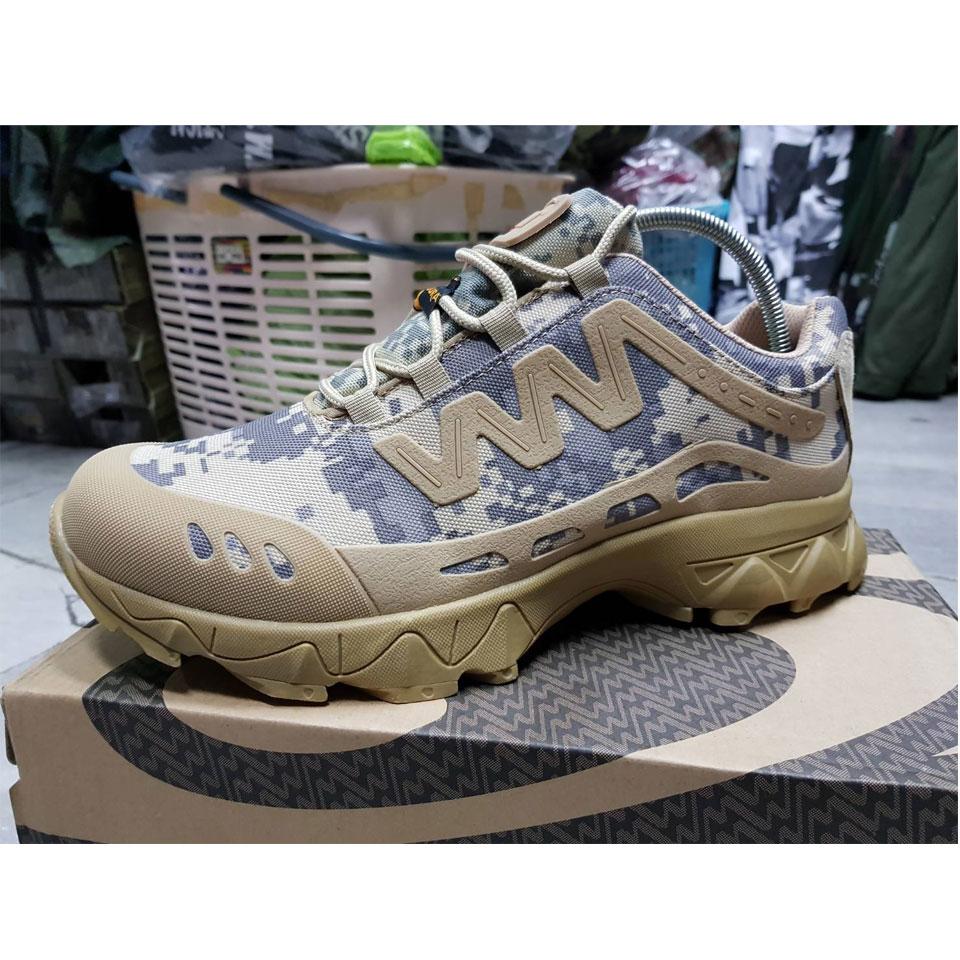 รองเท้าผ้าใบ Magnum ACU