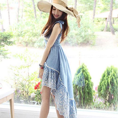 Cherry Dress ++สินค้าพร้อมส่งค่ะ++ชุดเดรสเกาหลี ดีไซด์ผูกไหล่ สม็อกหลัง ทรงด้านหน้าสั้น+หลังยาว แต่งลูกไม้ชายเดรสรอบ – สีฟ้า