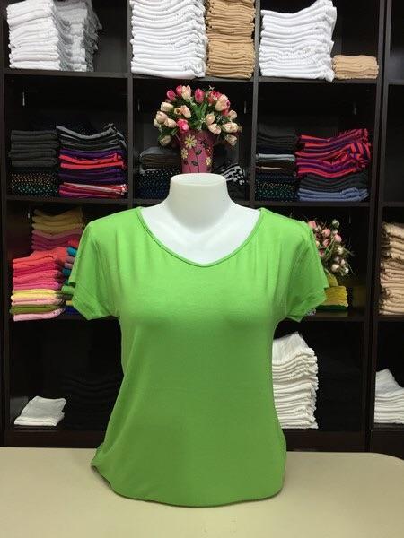 """เสื้อยืด size""""L"""" สีเขียวตอง"""