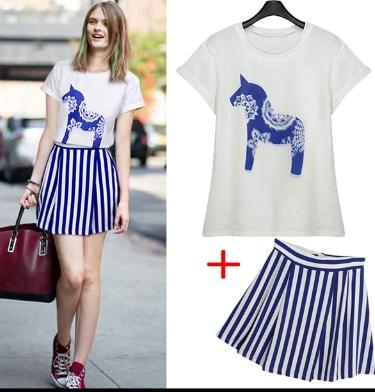 PreOrder - เซตคู่เสื้อยืด กระโปรงแฟชั่น ไซส์ใหญ่-ไซส์เล็ก เสื้อยืดพิมพ์ลายม้าสีน้ำเงิน กระโปรงลายม้าลายสีขาวน้ำเงินมีซับใน