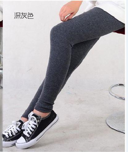 กางเกงเลกกิ้งขายาว สีเทาดำ ไม่มีลวดลาย เอวมีสายปรับระดับได้ค่ะ