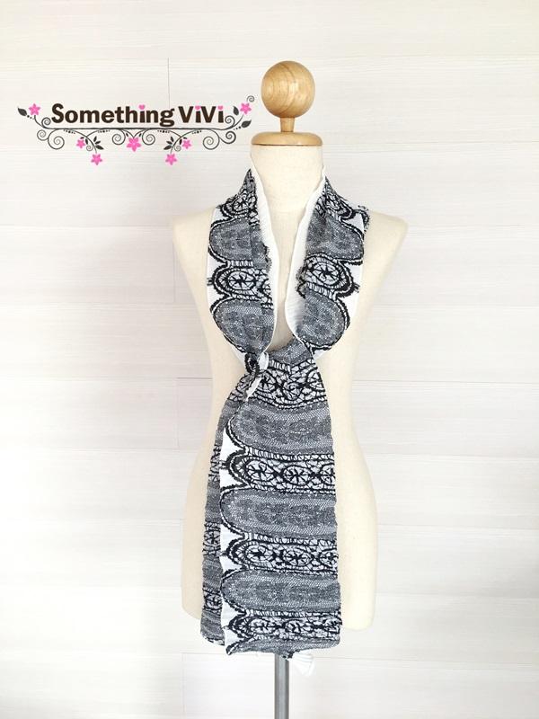 ผ้าพันคอ/ผ้าคลุมไหล่/ผ้าคลุมให้นม รุ่น Issey_Lace in Black & White (Size S) ผ้าคลุมไหล่ลายลูกไม้ขาวดำตัดกัน เนื้อผ้าอย่างดี งานพรีเมี่ยม โรงงานขายเองเย็บด้วยความปราณีต ทำให้งานออกมาดีสุดๆ เป็นผ้าพลีท ด้วยรอยอัดย่นของผ้าทำให้ผ้ามีความนุ่ม น่าสัมผัสมากขึ้น